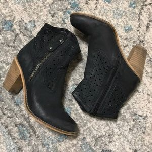 Seychelles Black Leather Booties